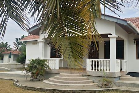 PR Beach Villa - Prampram - Villa