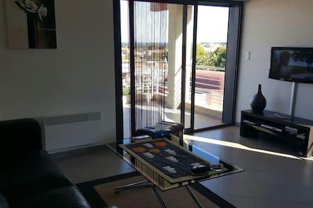 Beau F2 45m2 +15m2 de terrasse - Folelli