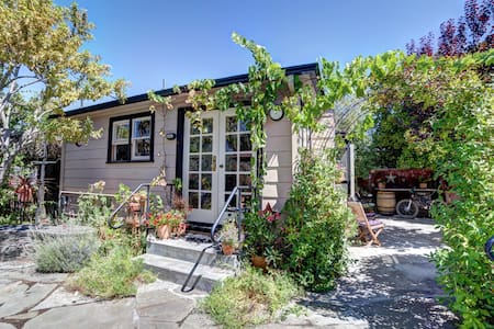 Wine Country Cottage