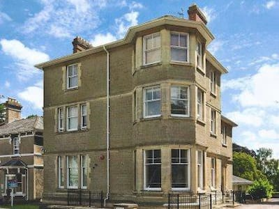 ONE-BEDROOMED FLAT - Malvern