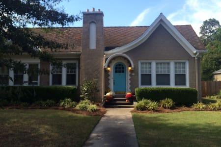 Charming Cleveland Cottage - Hus