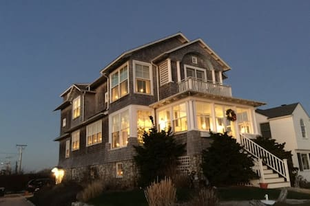 BEACH FRONT HOME IN GROTON LONG PT.