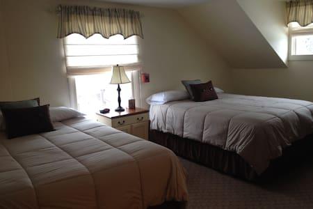 Wiley Inn - Family suite - Room 5/6 - Peru - Bed & Breakfast