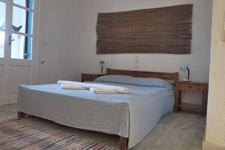 Artemis House on Mérika Bay - Skala, Patmos - Bed & Breakfast