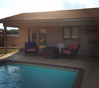 Guest House in Wimberley - Wimberley - Apartment