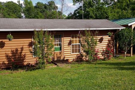 Hwy 123 Cabin Rental - Hytte