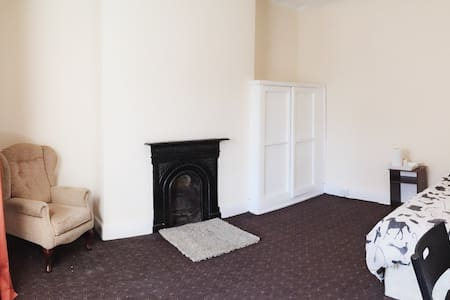 Large Double Room L6