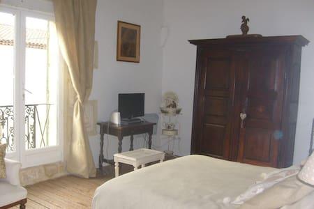 Chambre à Générac maison de village - Générac
