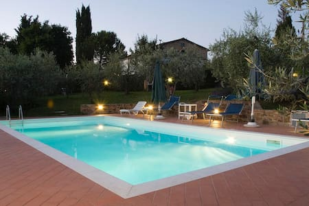 In Chianti, really PRIVATE SW-POOL! - San Casciano in Val di pesa - Huoneisto