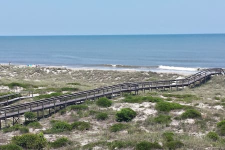 Amelia Island Right on the Beach! - Condominium
