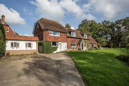 Detached Annexe in Four Elms - Bed & Breakfast