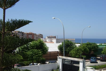 Studio apt-sea/mountain view+AIR CON wifi;parking; - Lejlighed