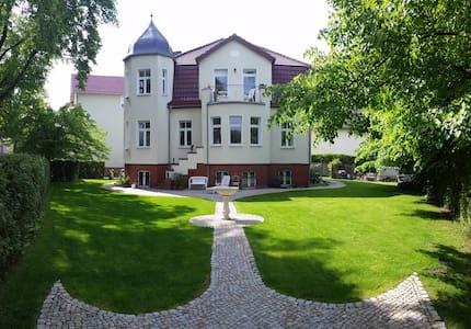 VILLA WEIGERT (Apartment 2) - Birkenwerder - Villa