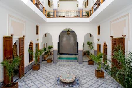 Riad Layali Fès. 6 suites & 2 rooms - Riad - Bed & Breakfast