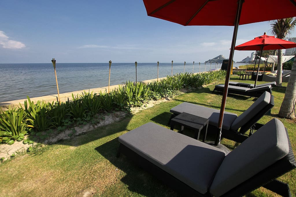 Hua Hin 1 BR by the beach: pool/spa