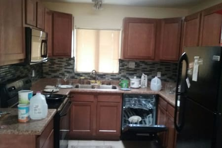 Comfortable Room - Sierra Vista - House