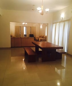 Large Serviced APT Baridhara, Dhaka