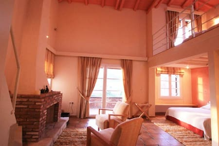 Rodia, Our cozy suite by the sea - Rovies - Bed & Breakfast