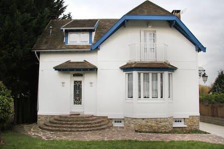 La maison Blanche - Marolles-en-Brie - House