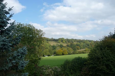 Balcony Room on edge of village - Nailsworth - Bed & Breakfast