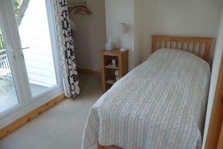 Balcony Room on edge of village - Bed & Breakfast