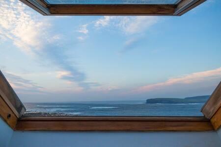 Ocean Facing End-of-Terrace home