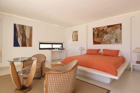 Amazing Villa. - Bed & Breakfast