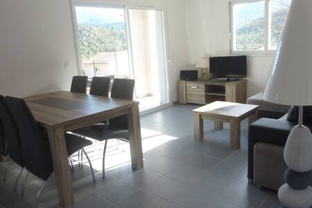 Appartement avec  terasse et jardin - Morosaglia