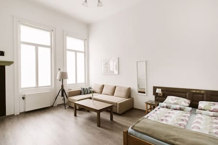 Beautiful apt in Budapest's heart - Budapest - Apartment