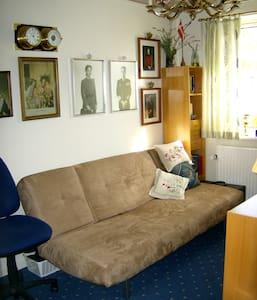 Room for rent in our house - Korsør - Bed & Breakfast