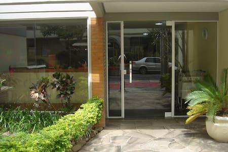 Apartamento completo no Bomfim - Porto Alegre - Apartamento