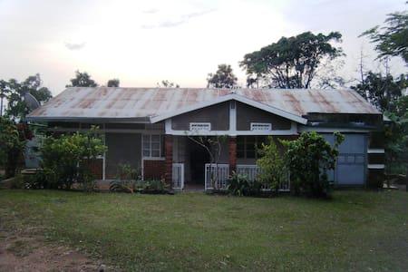 Bulamu Farmhouse - Full Board