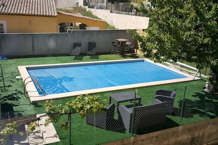 villa 120m2 avec piscine - Cadolive