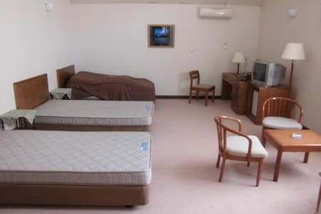 Rm 212  3 single beds with ensuite