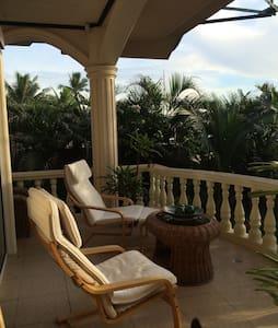Luxurious Suite on the Beach II - Sibulan