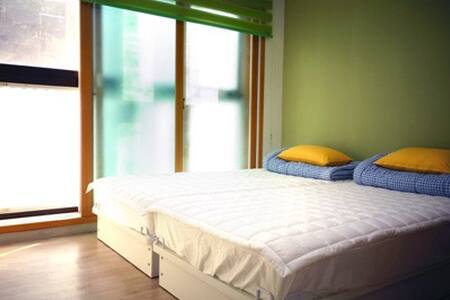 Home-Stay1 in Myeong-dong / 2 min Myeong-dong Sub. - Jung-gu - House