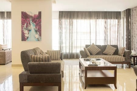 Room type: Private room Property type: Apartment Accommodates: 2 Bedrooms: 1 Bathrooms: 1.5