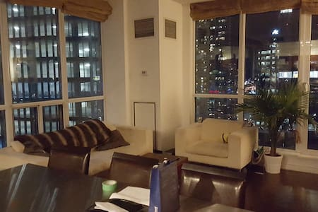 2 bed 2 bath Downtown Toronto Condo