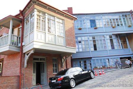 квартира в районе Старого Тбилиси - Tbilisi - Apartment