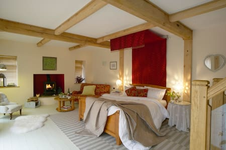 Abbots Lodge Bed and Breakfast - Bed & Breakfast