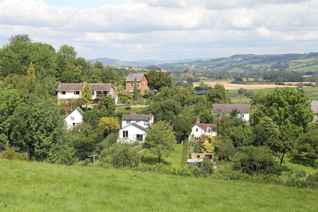 Abbots Lodge top left, in a peaceful edge of village location, just 500m from the historic castle ruins
