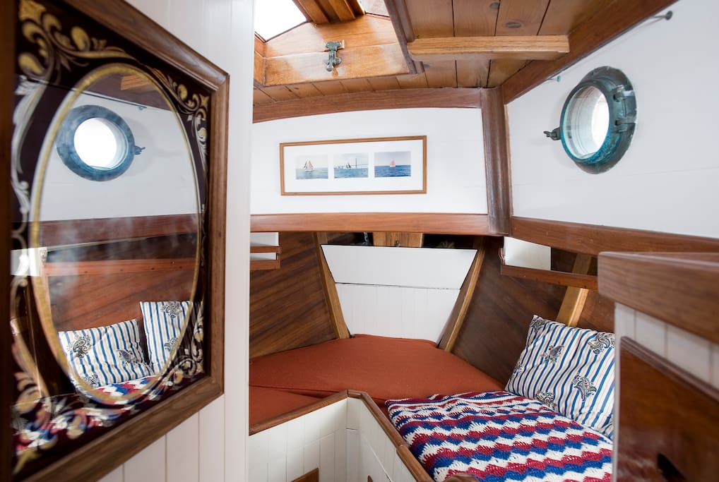 Fore cabin can be made as two singles, or double with short single.
