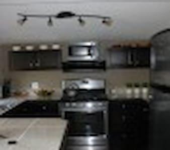Okanagan Lakeview modern cabin - Vernon - Cabin
