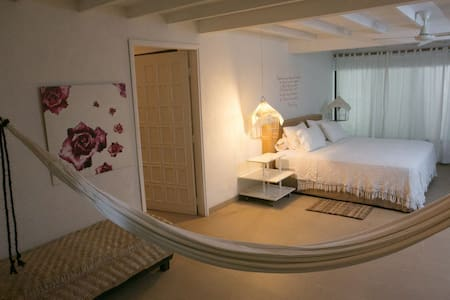 Hotel Boutique Casa Rosalia - Bed & Breakfast