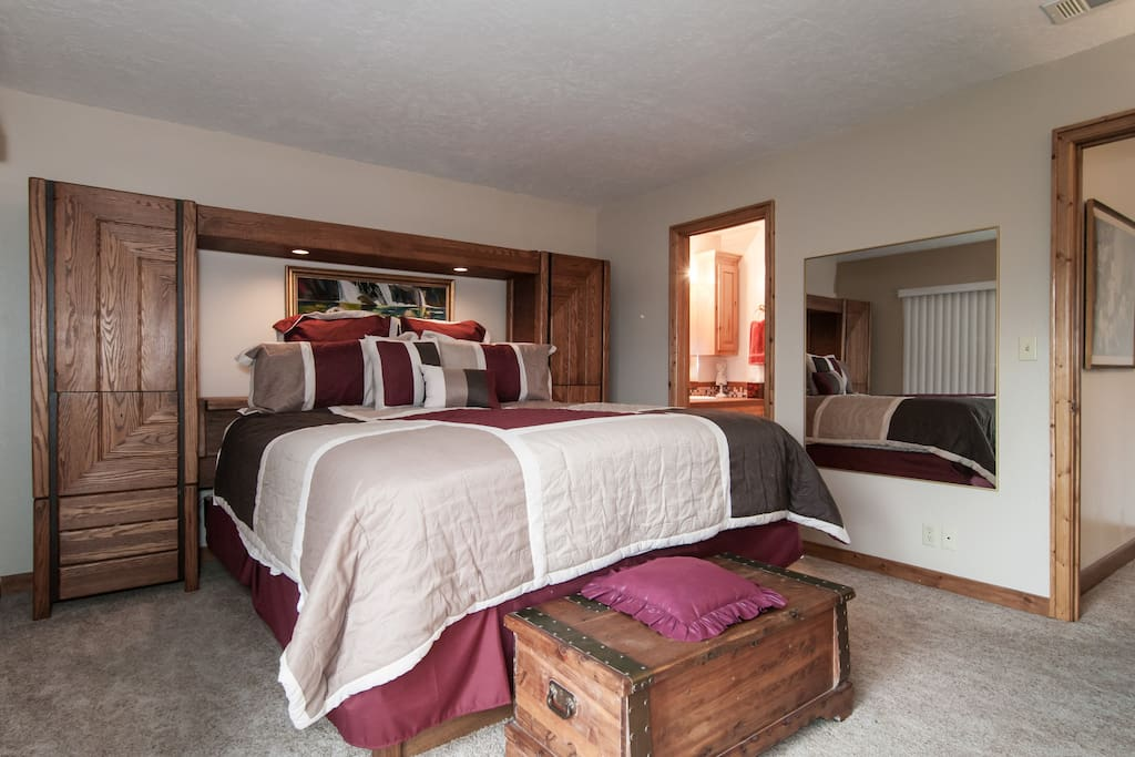 Waterfront home - Master Suite