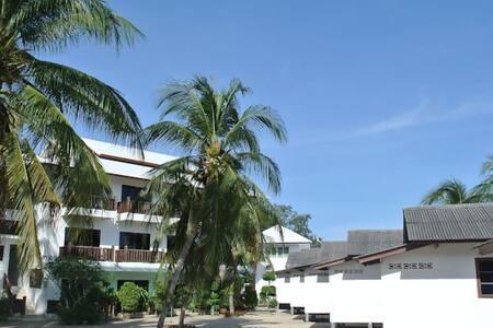 mac bay  bungalows