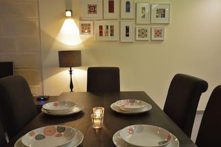 Orangerie 3rd flr 2bedroom(VBL2301)