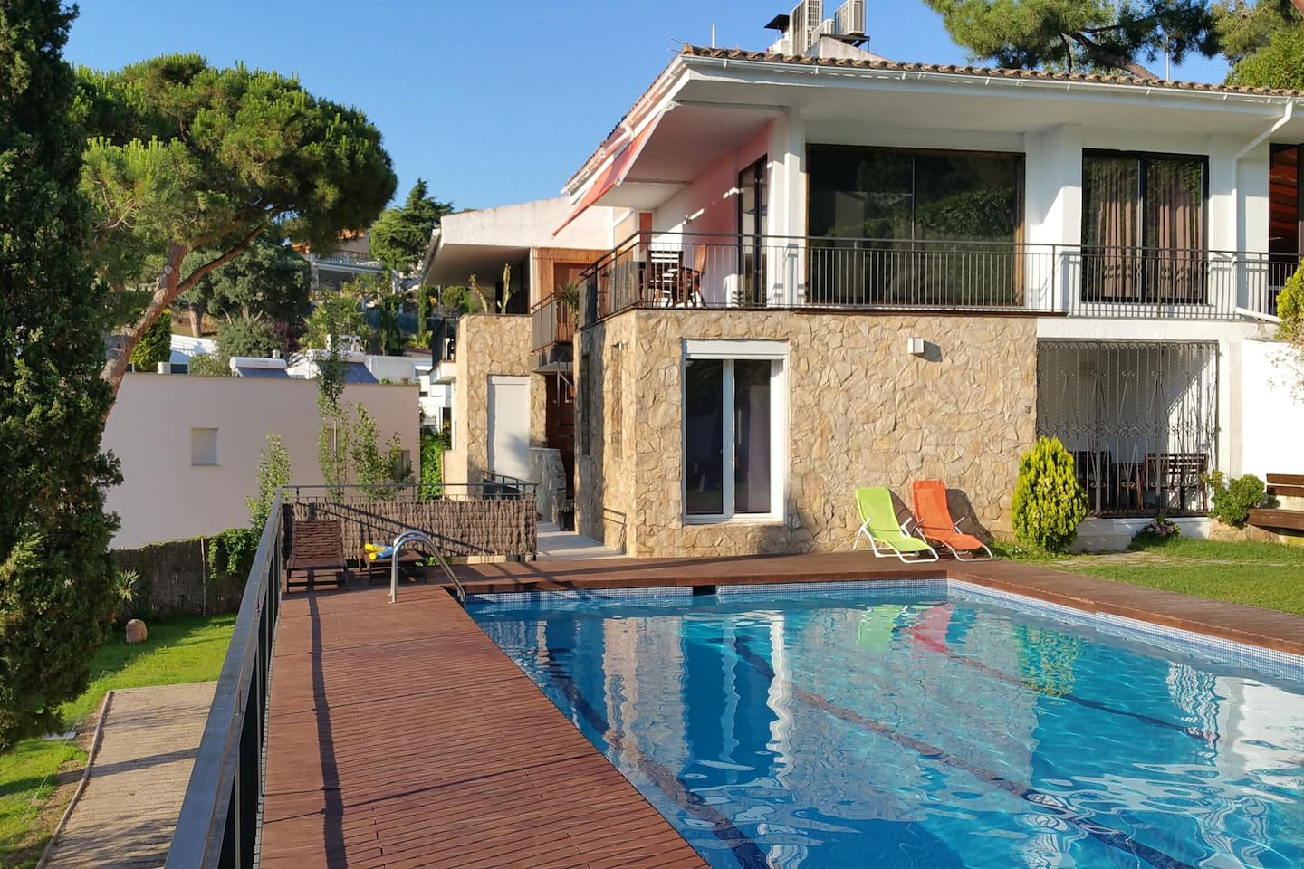 4 houses in 1, 700m beach, SPA