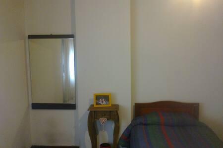 Hermosa habitación en Nueva Cba.