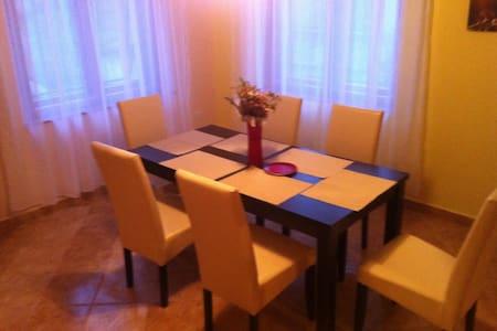 Kövirózsa vendégház Szilvásvárad - Hus
